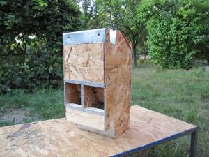 бункерная комбикормушка для кроликов